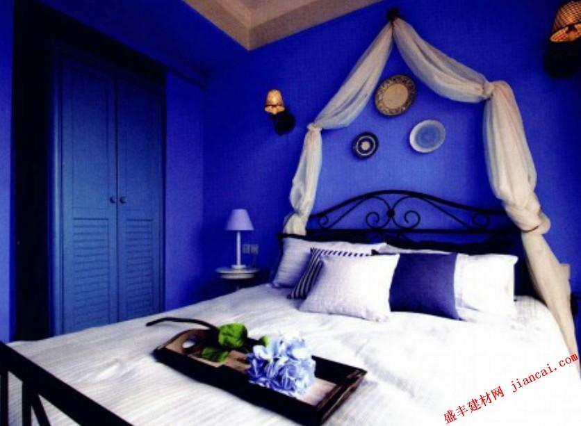丰富的空间层次 蓝色调的卧室装饰