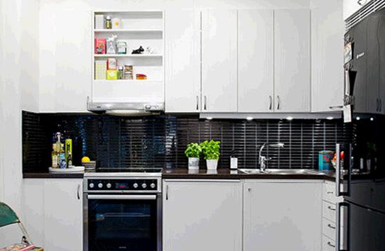 北欧风格的厨房设计 黑与白的经典搭配