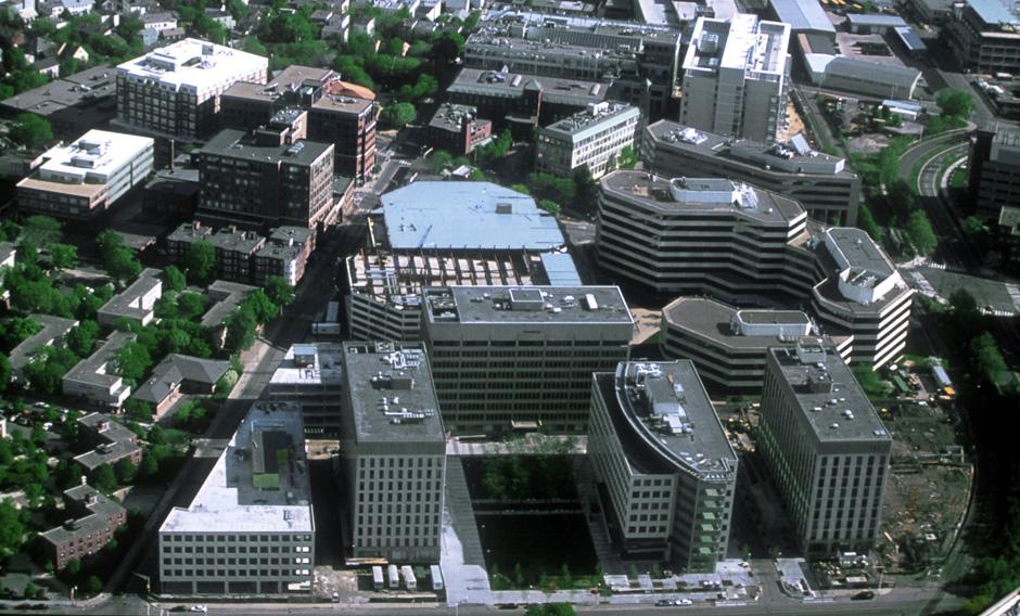 麻省理工学院科技广场