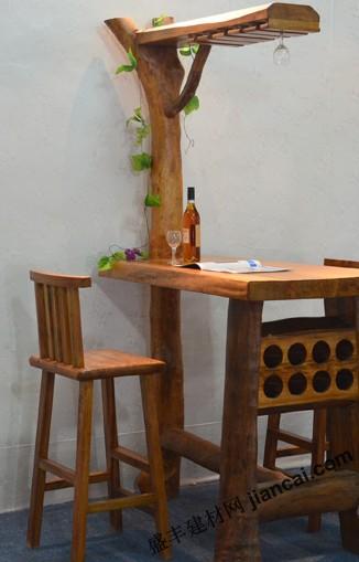 造型独特的木制吧台