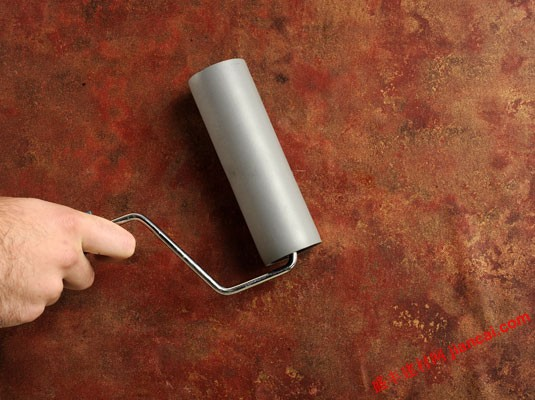 壁纸气泡的正确处理方法