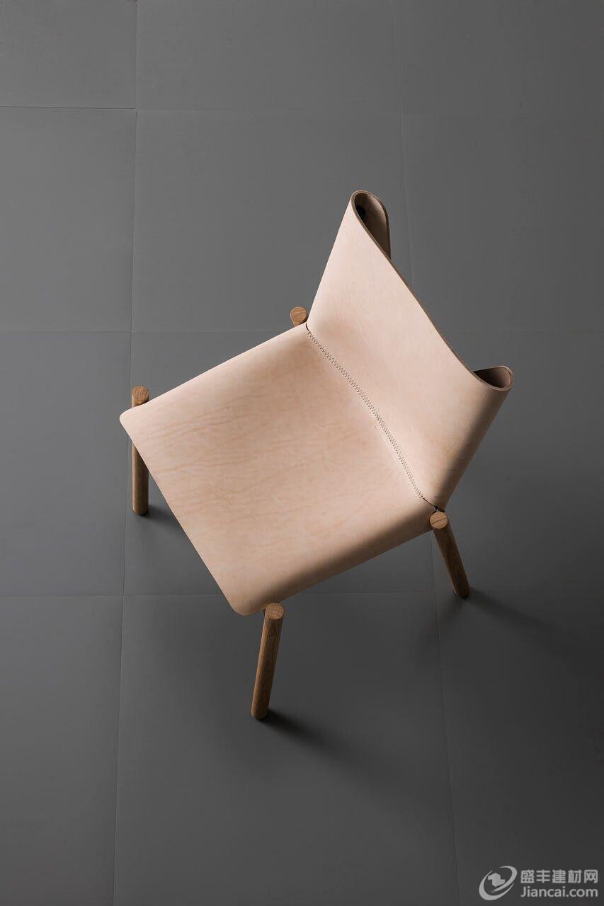 用兽皮制作的椅子