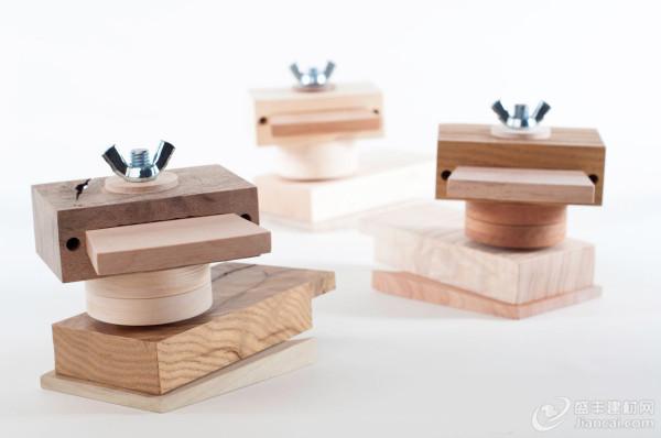 由废木头手工制作的木制玩具