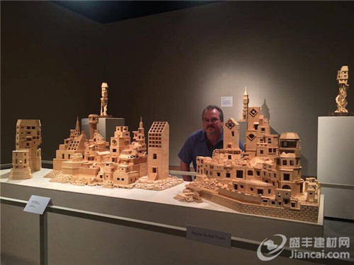 艺术家用超过300000根牙签制作精致的城市结构
