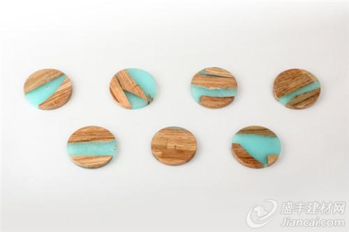 通过结合树脂和木头边角料