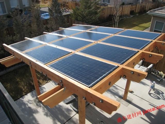 太阳能电池/通常有两种类型的太阳能电池板可供销售——晶体硅面板和非晶体...