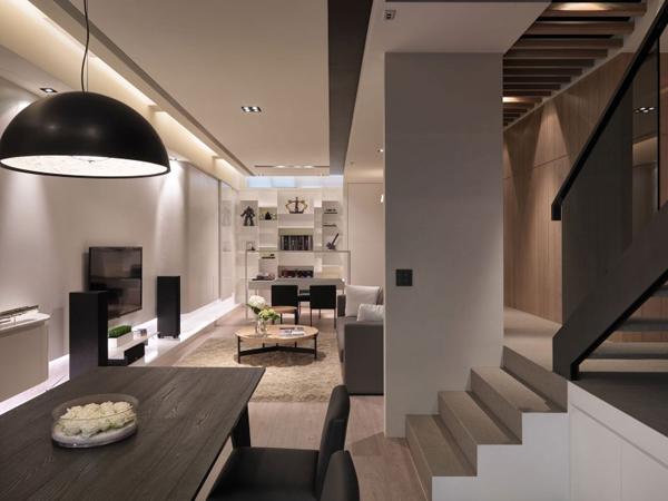 室内设计优雅的多层公寓