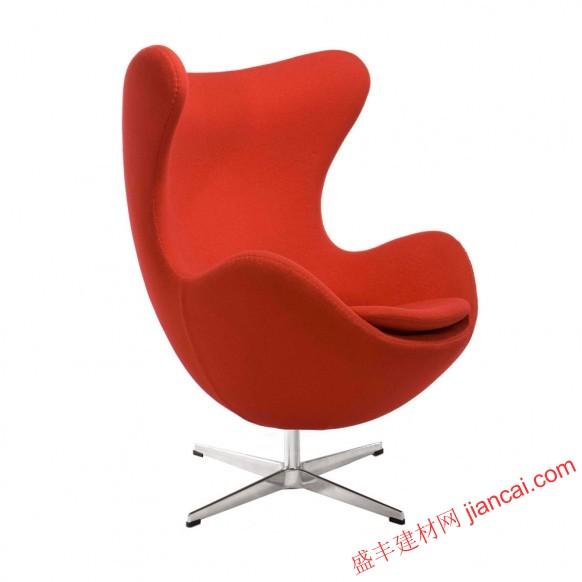 这些经典的设计师椅子有转化一个普通的房间,弄成壮观一种有趣的