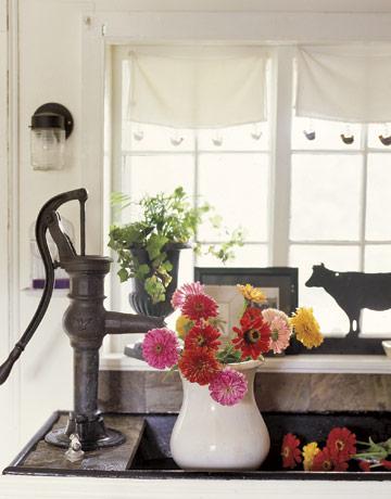 厨房欧式弧形窗户