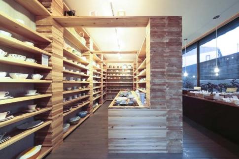 用木材记录时间的日本古董小店