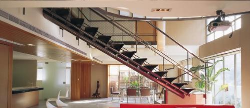 金属楼梯扶手