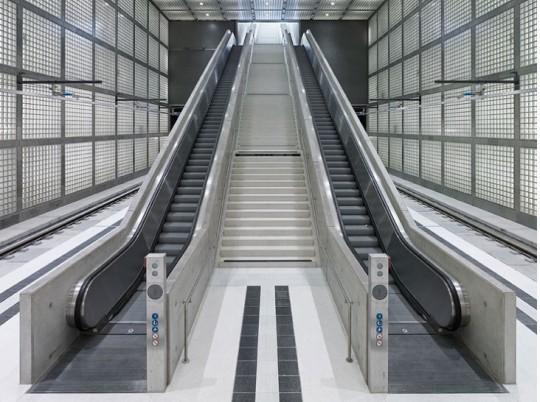 莱比锡的玻璃地铁站