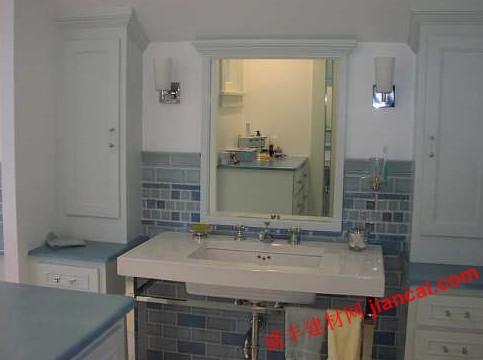 浴室收纳柜根据装修风格和样式选择