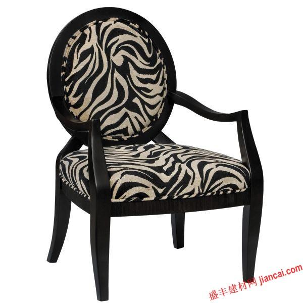 在你的办公室或卧室,这个年轻的椅子适合颜色不够柔的房间,虽然浅绿色的颜色不够软不能覆盖你的房间,但就这个模式就足以创造利益和艺术价值。    黑色和白色是经典,黑白印花甚至更有品味。在餐厅使用这个形状和图案的椅子可以混合和匹配任何装饰或者在你家里的办公室使用,每天都会给你一种不一样的经典。