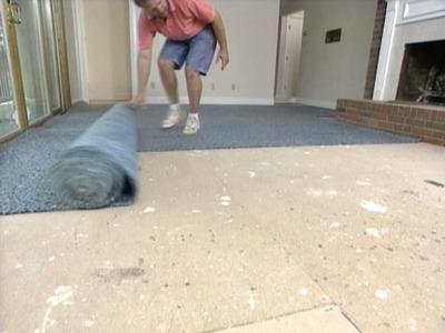 安装地毯垫