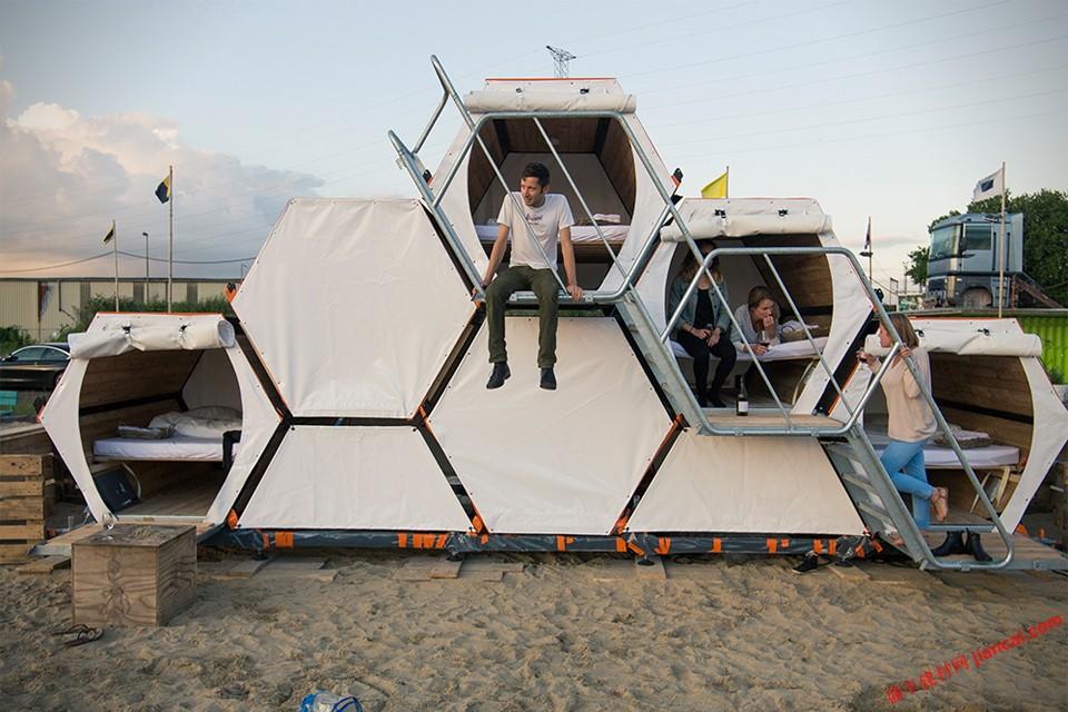 这就是为什么,从比利时设计师在这些可堆叠的蜂窝帐篷,是如此有