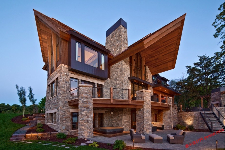 现代建筑追寻简洁和自然
