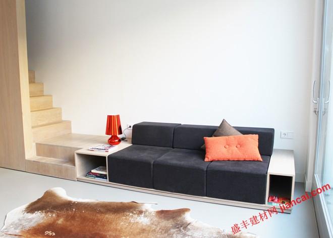 空间设想:沙发和楼梯的结合设计