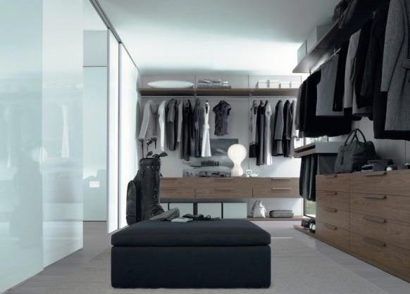 卧室壁橱和衣柜