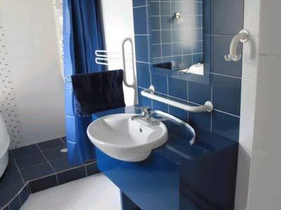 五金件在小户型卫浴间的巧妙摆放(图) – 卫浴洁具